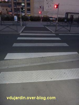 Poitiers, le rond-point de la gare pour aveugles kamikazes, 5, un passage moins inaccessible