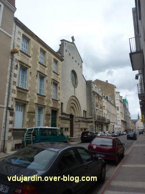Poitiers, la façade du temple protestant