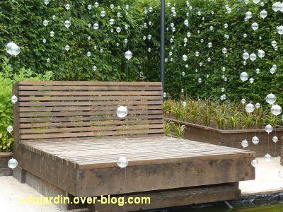Chaumont-sur-Loire, festival 2011, le jardin 23, 4, le lit dans ses bulles...