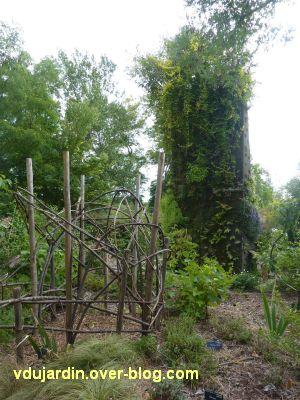 Chaumont-Sur-Loire 2011, le jardin expérimental, 04, vers le mur végétal