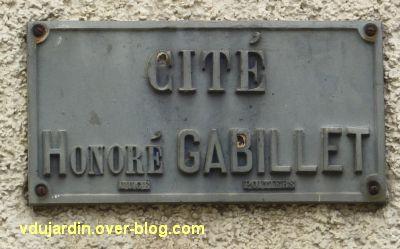 Poitiers, cité Gabillet, 1, la plaque de la cité