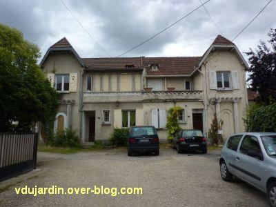 Poitiers, cité Gabillet, 3, la maison double centrale