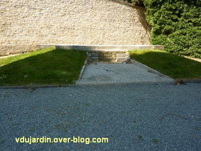 Niort, le monument aux morts de 1914-1918 par Poisson, 3, l'emplacement du monument près du donjon