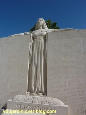 Niort, le monument aux morts de 1914-1918 par Poisson, 5, la République