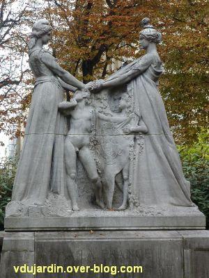 Paris, monument à l'amitié franco-belge, 4, vue rapprochée