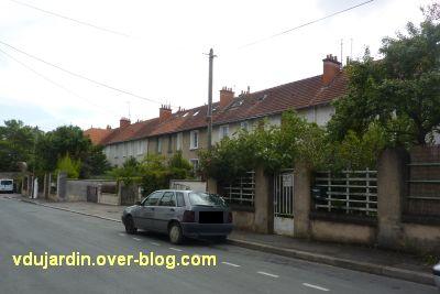 Poitiers, rue Gabillet, vue 3, alignement de maisons
