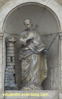 Poitiers, statues religieuses, 01, sainte Barbe rue de la Chaussée