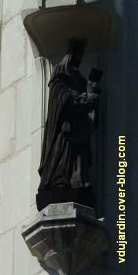 Poitiers, statues religieuses, 05, vierge à l'enfant, rue Orillard