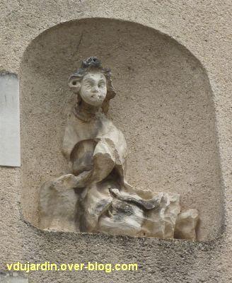 Poitiers, statues religieuses, 09, le deuxième des anges, rue Faguet