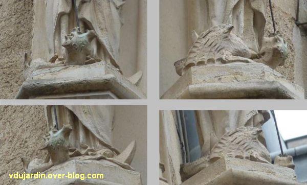 Poitiers, statues religieuses, 02b, détail du serpent, rue Orillard