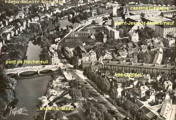 Poitiers, vue aérienne des années 1950, le quartier de Montierneuf