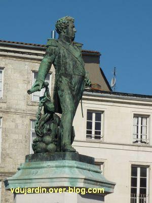 Le monument de l'amiral Duperré à La Rochelle, 03, de près