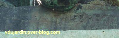 Le monument de l'amiral Duperré à La Rochelle, 05, signature du fondeur Thiébaut