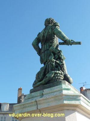 Le monument de l'amiral Duperré à La Rochelle, 08, de dos