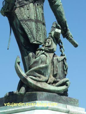 Le monument de l'amiral Duperré à La Rochelle, 10, l'ancre