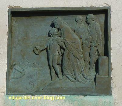Le monument de l'amiral Duperré à La Rochelle, 11, le relief du départ