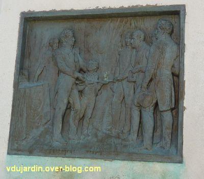 Le monument de l'amiral Duperré à La Rochelle, 14, le retour d'Alger