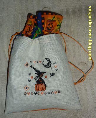 Pochette d'Halloween pour Emmanuelle, 1, la face