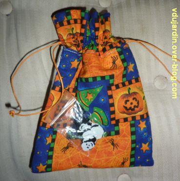 Pochette d'Halloween pour Emmanuelle, 2, le dos