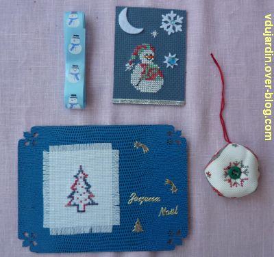Noël 2011 par Cathdragon, 2, ATC, carte brodée, biscornu et ruban