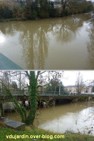 Poitiers, au pont Saint-Cyprien, la crue du Clain le 20 décembre 2011