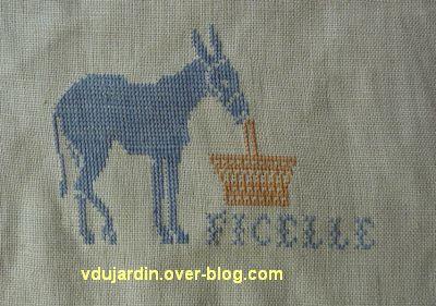 Un âne brodé