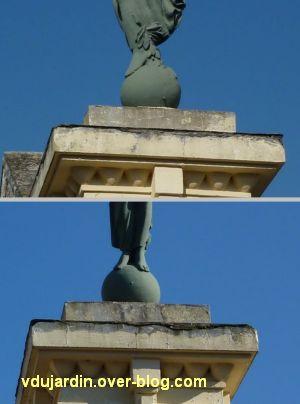 Le monument aux morts de Lessac (Charente), 4, les pieds sur la sphère, de face et de côté