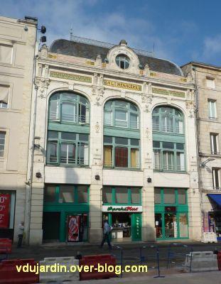Niort, magasin à la Ménagère, 1, la façade