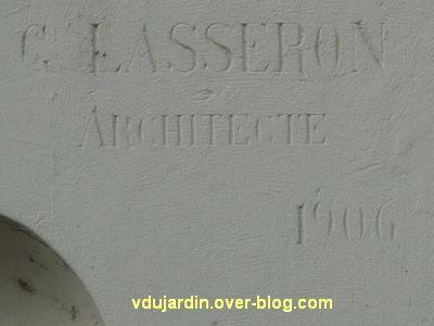 Niort, magasin à la Ménagère, 2, la signature de l'architecte Lasseron et la date