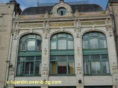 Niort, magasin à la Ménagère, 3, le décor de l'étage de la façade antérieure