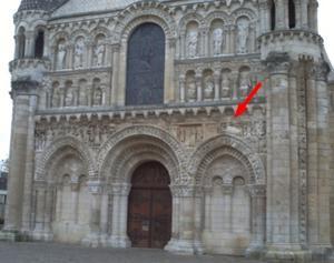 Façade de Notre-Dame-la Grande à Poitiers, la Nativité et le bain de l'Enfant