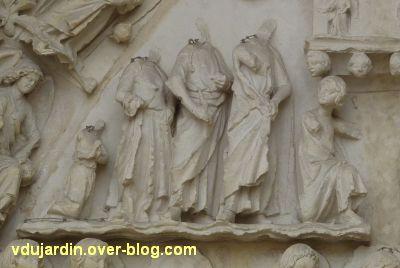 Poitiers, cathédrale, portail de Thomas, 11, registre supérieur, scène à gauche