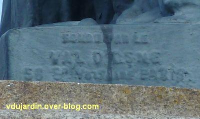 Poitiers, la statue de la Liberté, 7, la marque du sculpteur