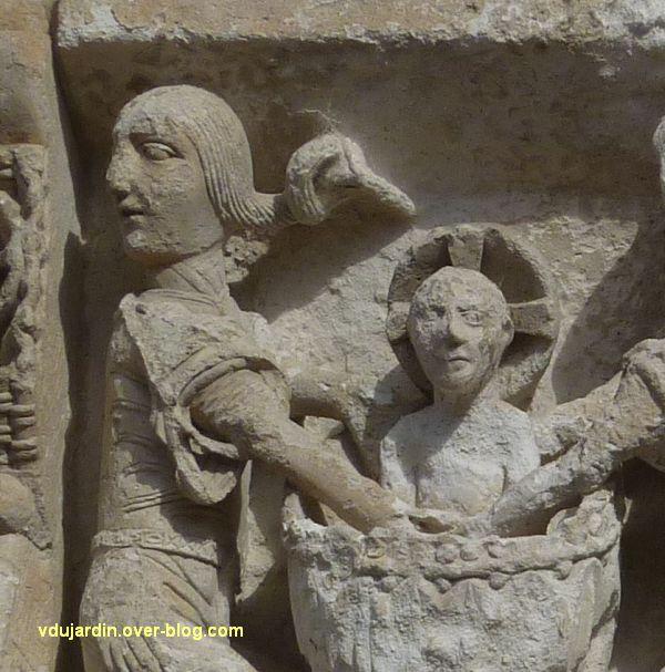 Poitiers, la Nativité de la façade de Notre-Dame-la-Grande, détail du bain de l'Enfant