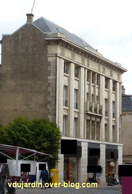 Poitiers, immeubles des frères Martineau, vue 6, rue du marché, façade