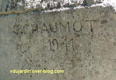 Le monument de Doriole par Georges Chaumot à La Rochelle, 3, la signature G. Chaumot 1941