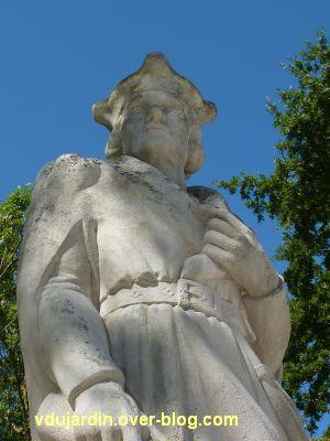Le monument de Doriole par Georges Chaumot à La Rochelle, 5, détail de la partie haute