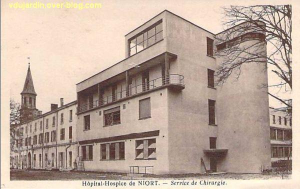 Niort, le service de chirurgie de l'hôpital sur une carte postale ancienne