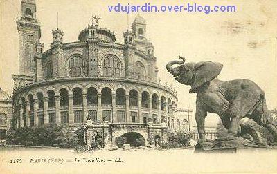 Paris, l'ancien palais du Trocadéro, carte postale ancienne, l'éléphant, 1, avec le palais