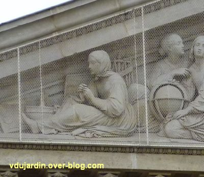 Défi pigeon vole, 07, grillages anti-pigeons sur l'institut Valentin Hauy à Paris