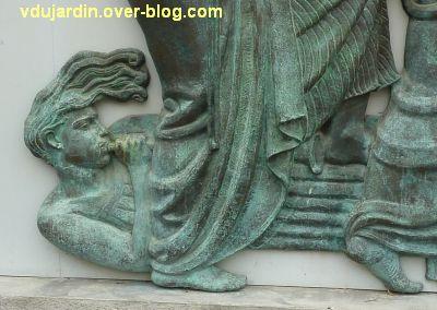 Poitiers, le musée Sainte-Croix, 06, détail du sonneur de trompe