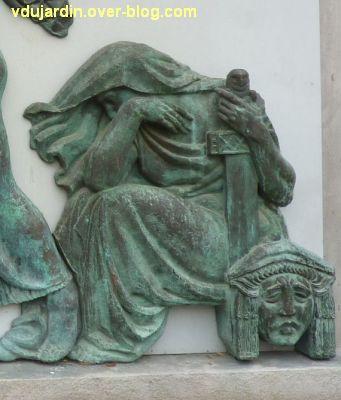 Poitiers, le musée Sainte-Croix, 11, le personnage à droite