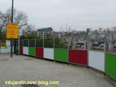 Défi photo, février 2012, carnaval de couleurs, 1, barrières de chantier
