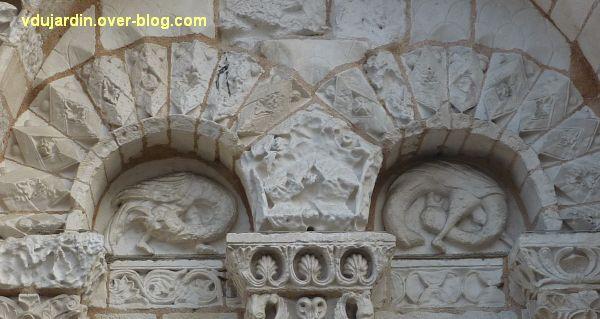 Défi photo, endroit/envers, Poitiers, 3, arcatures nord de la façade de Notre-Dame-la-Grande