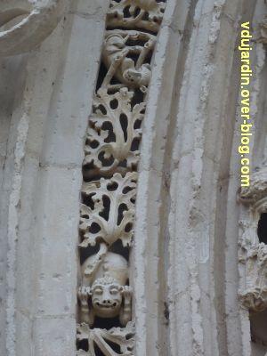 Défi photo, endroit/envers, Poitiers,6, les singes du portail de Sainte-Radegonde