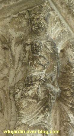Poitiers, portail Saint-Michel de la cathédrale, droite, 08, la vierge à l'enfant