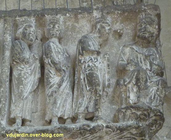 Poitiers, portail Saint-Michel de la cathédrale, gauche, 04, les rois mages devant Hérode