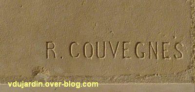 Poitiers, la tête de femme de Couvègnes dans la cour du lycée, 3, la signature