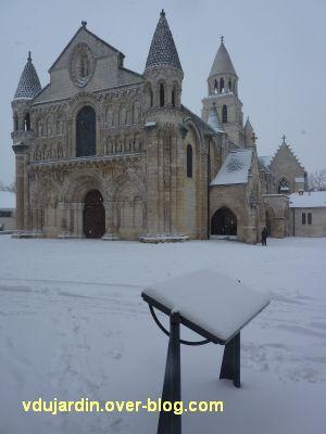 Défi photo, Poitiers en blanc, février 2012, 6, Notre-Dame la Grande le 5 au matin
