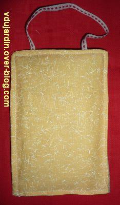 Finition avec un tissu jaune, 1, le tissu
